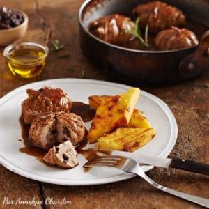 Paupiettes de veau aux olives et galettes de polenta aux tomates séchées