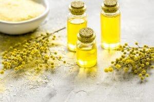 Petits flacons d'huile d'olive