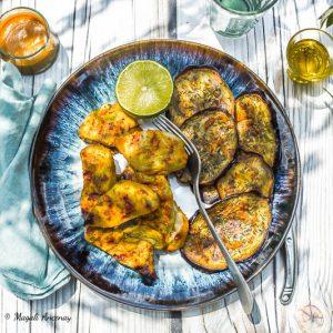 Poulet mariné et aubergines grillées