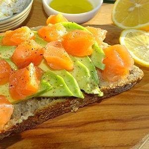 tartines saumon avocat huile d'olive